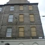220px-Windows_in_Brighton_Street,_Edinburgh