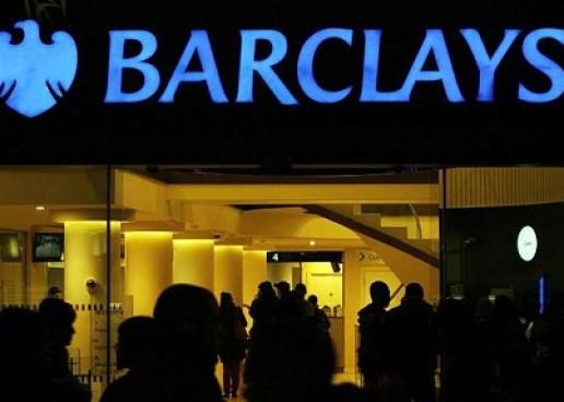 A brit Barclays bank is a bitcoin felé kacsingat